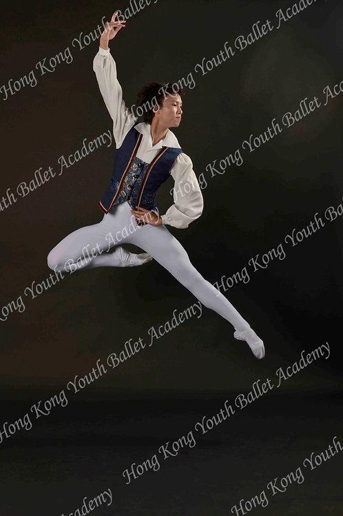 Hugo Tang (8)