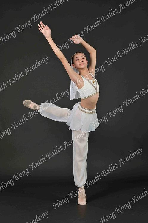 Kirsten Leong (1)