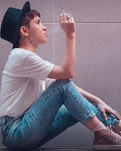 woman-smoking-cigarette-3270994.jpg