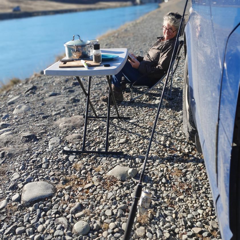 Relaxing - Tekapo Canal