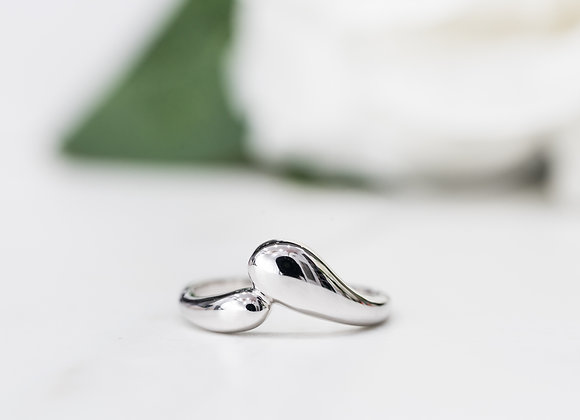 Double Oval White Gold Ring