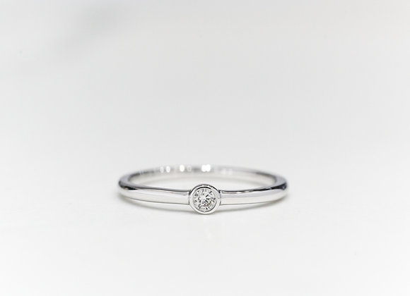 Round Bezel Diamond Ring in White Gold