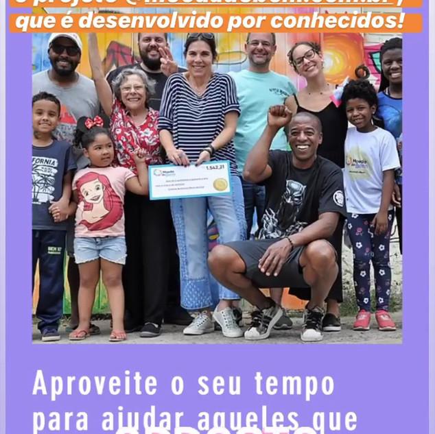Autora do blog Mãe de Guri