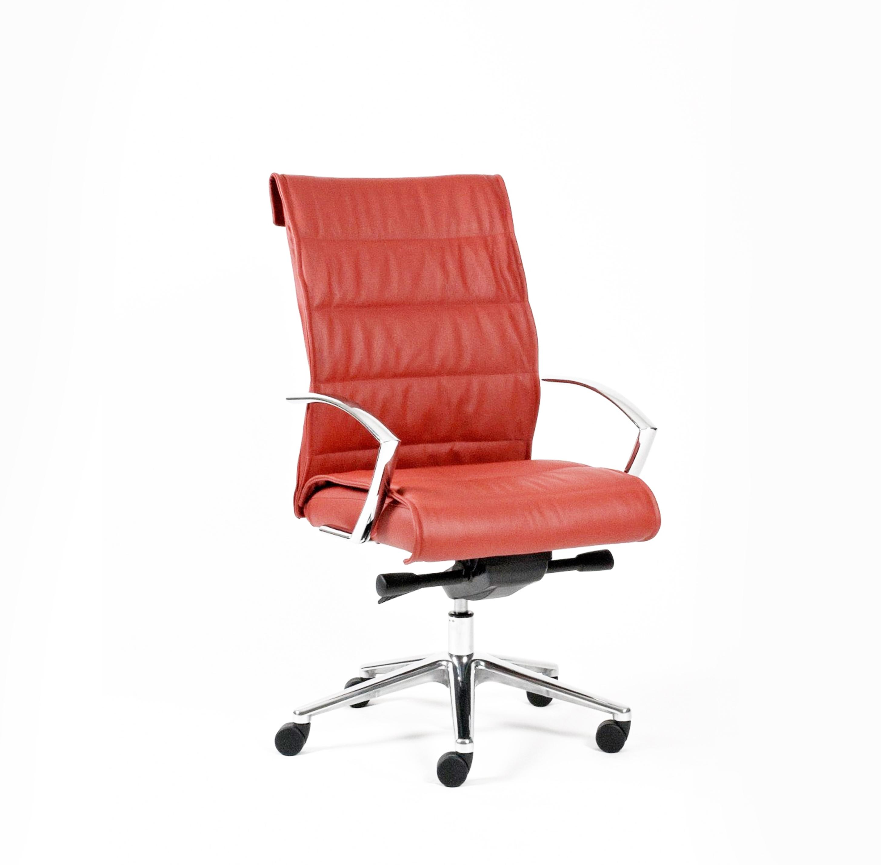 Signet Stitched Medium Back Chair