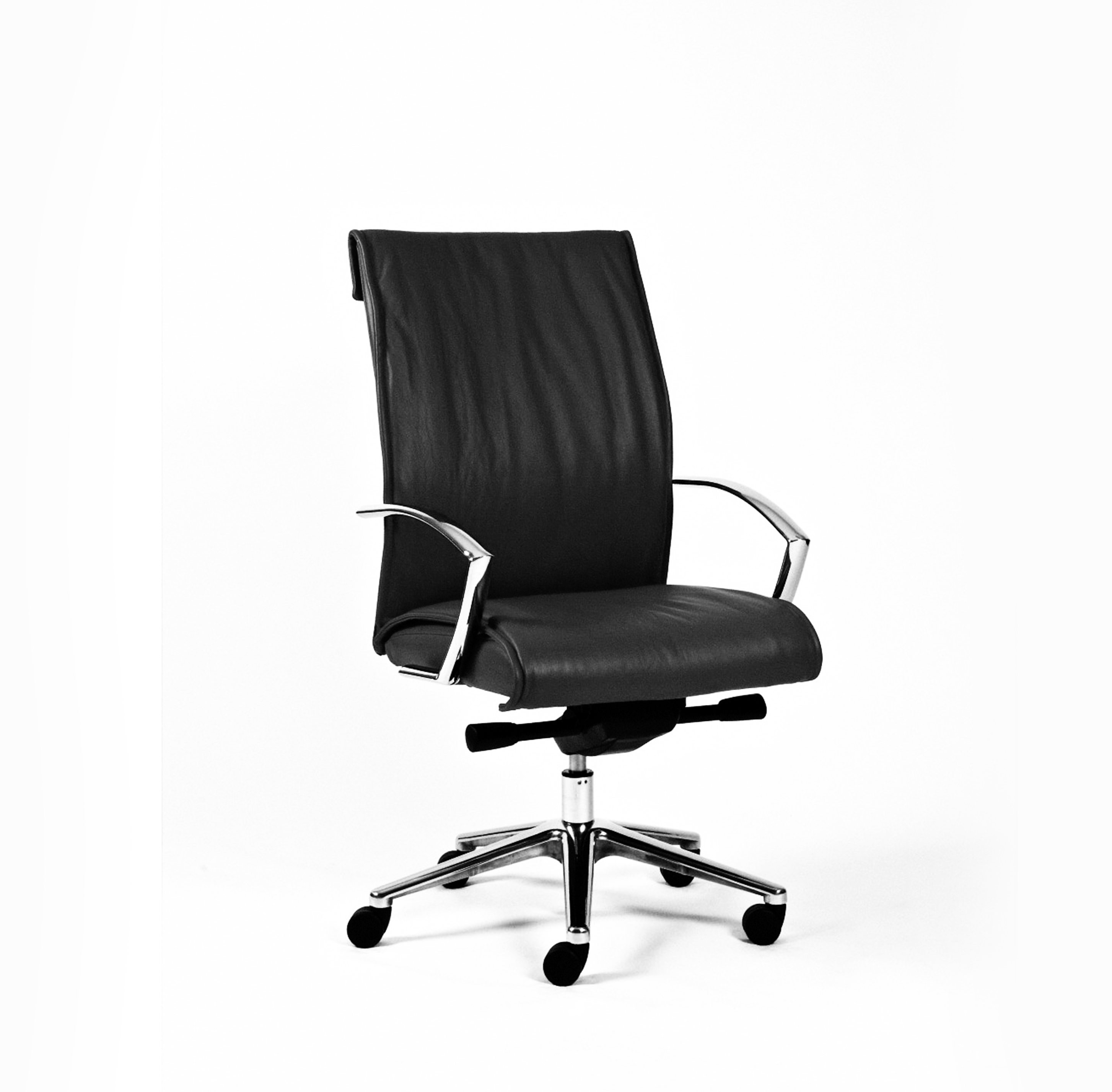 Signet Med Back Leather Chair