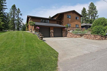 Avondale Golf Course Home in Hayden Idaho