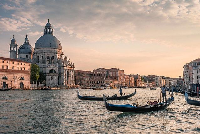 Venice-3547224_1920.jpg
