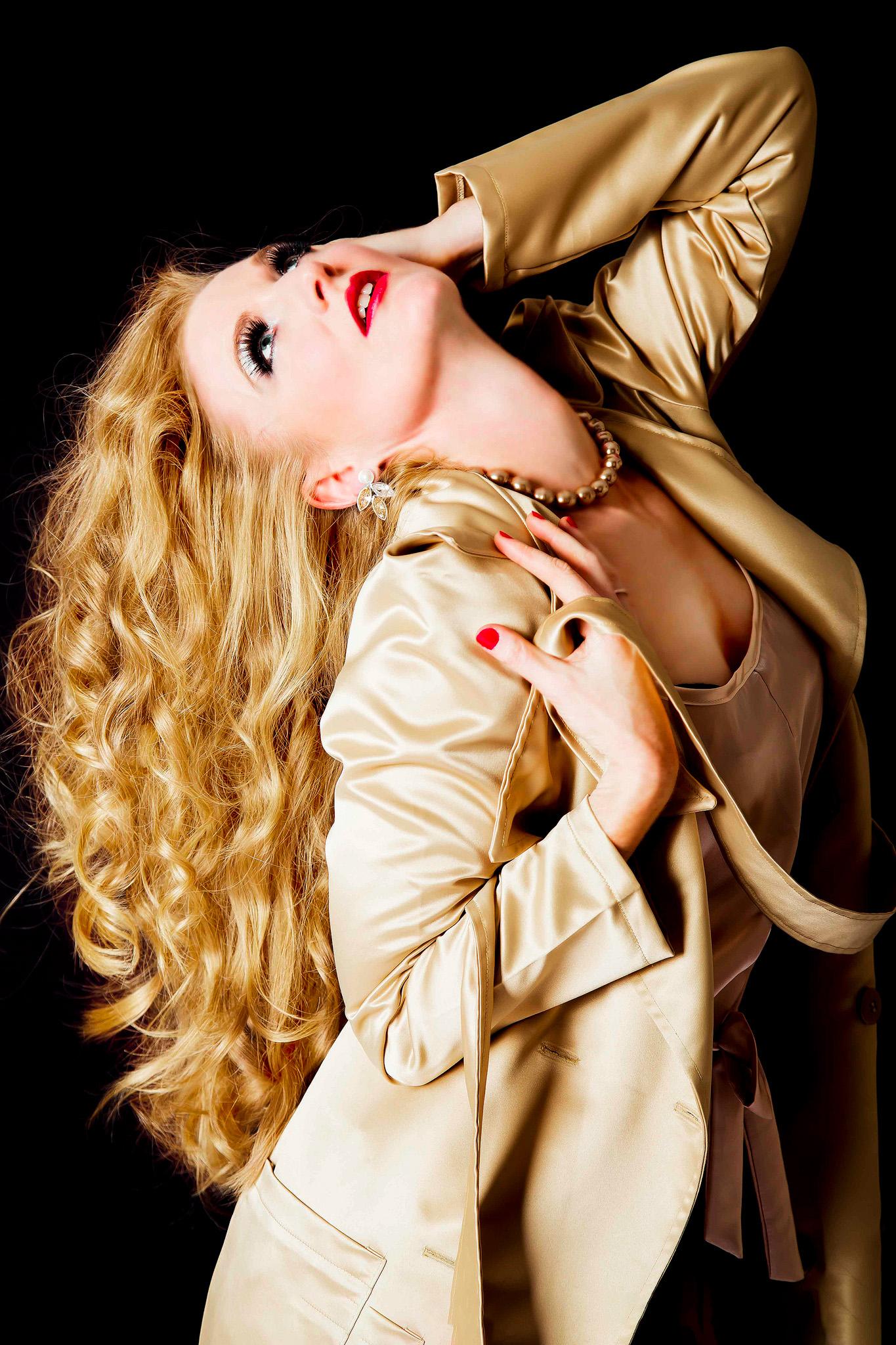 Goldie White