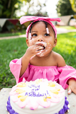 SOPHIE-CAKE-SMASH-FIRST-BIRTHDAY-coastal