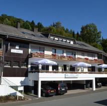 vooraanzicht Hotel Sühang (2).JPG