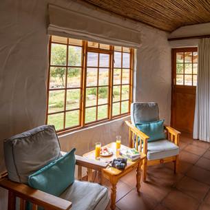 Kliphuis bedroom seating area.jpg