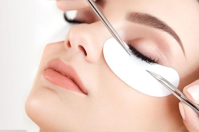 eyelash enhancing treatment