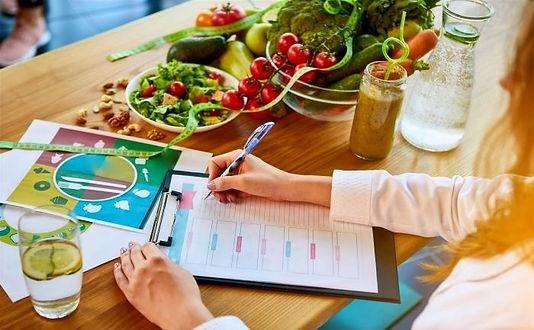 avantages-dun-suivi-nutritionnel_edited.