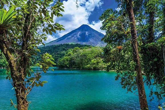 gardens-costa-rica-arenal-volcano-in-cos