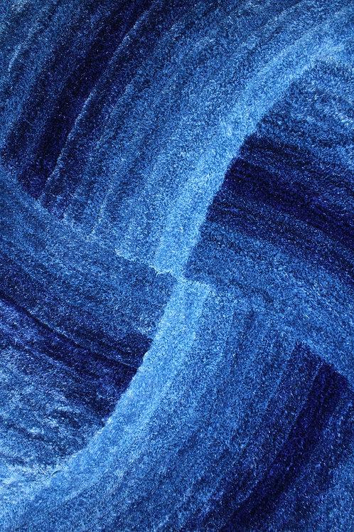 #004 HYPNOTIC AREA RUG BLUE