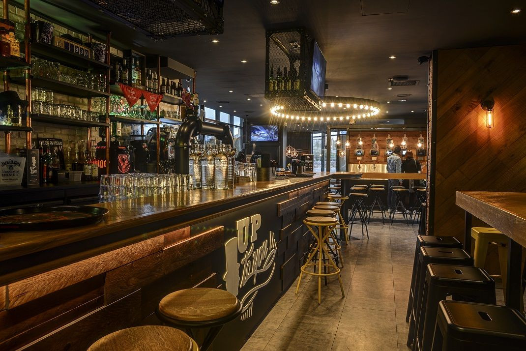 Bar Pub Restaurant Up To You Saint Quent