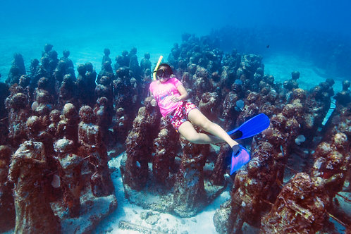 Snorkeling to Cancun Underwater Museum