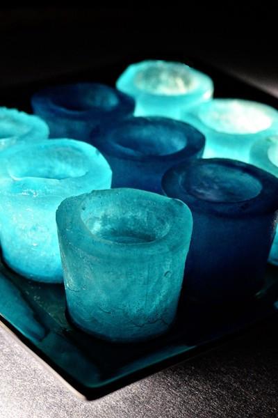 Színes mécsestartó jégből