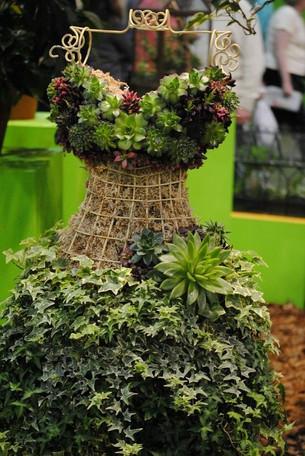 Virágzó ruha