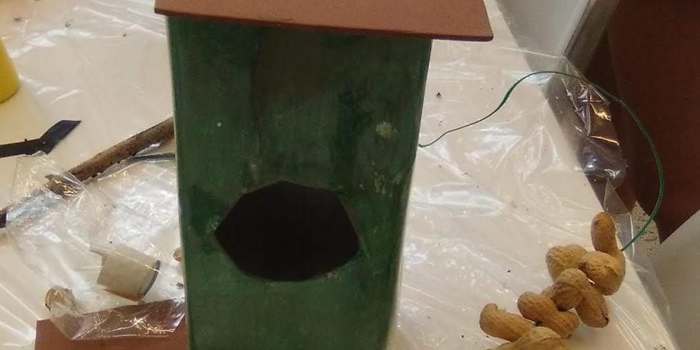 Fem menjadores pels ocells (Centre Penitenciari Quatre Camins)