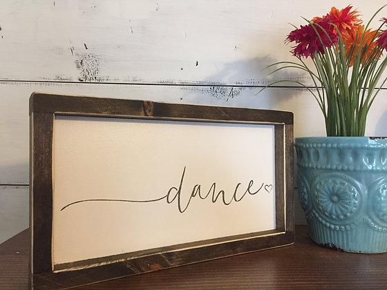 "Mini ""dance"""