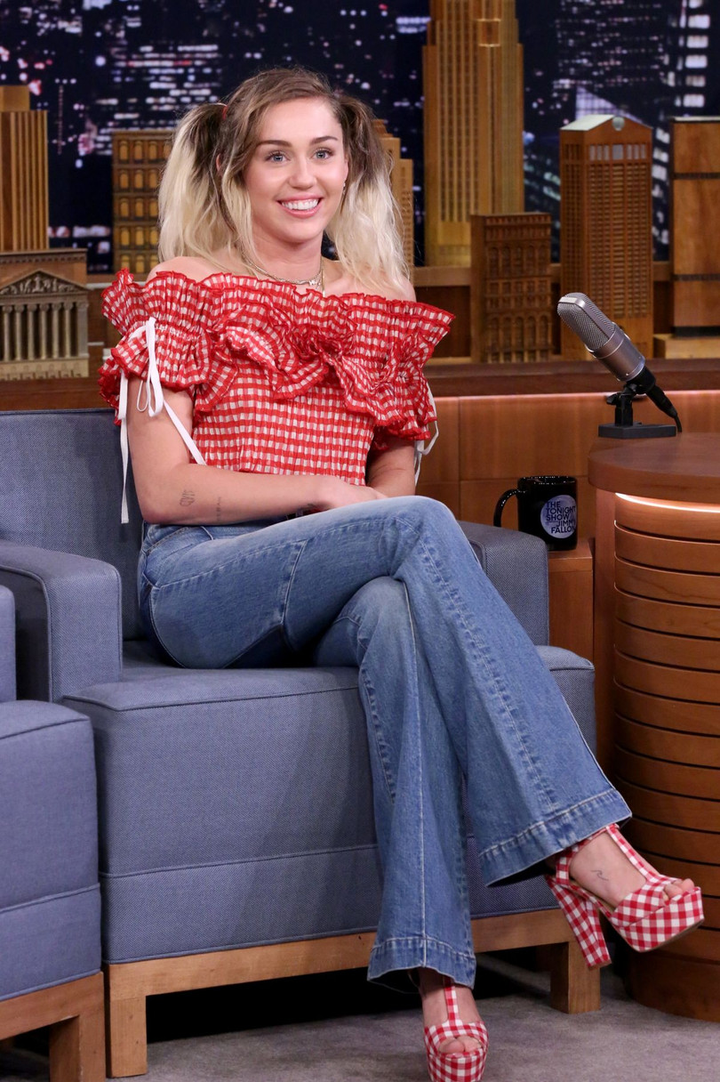 Miley Cyrus Addresses Her Recent Sobriety with Jimmy Fallon