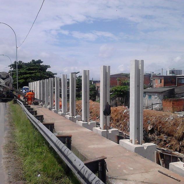 Construção de Muro Pré-Moldado (3)