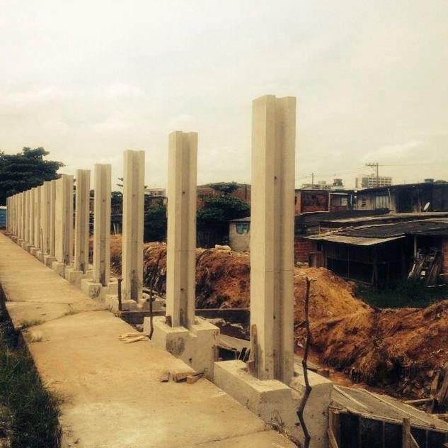 Construção de Muro Pré-Moldado (10)
