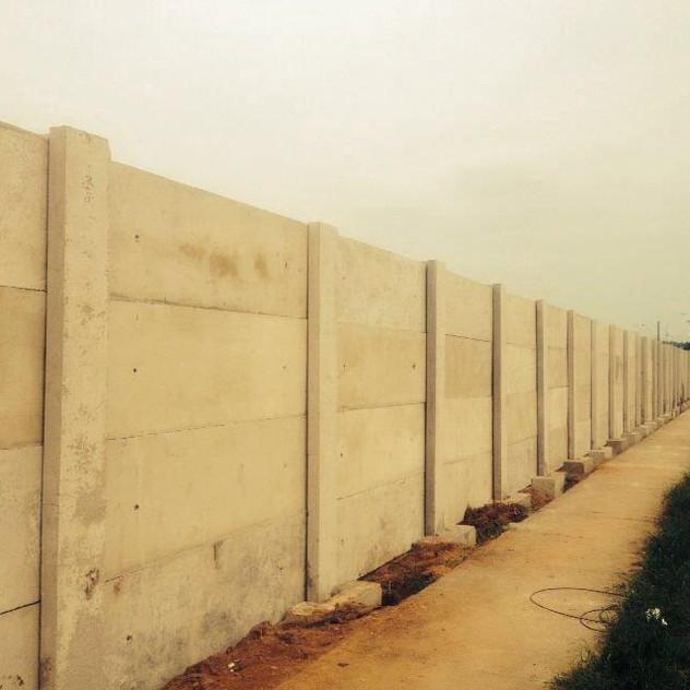 Construção de Muro Pré-Moldado (5)