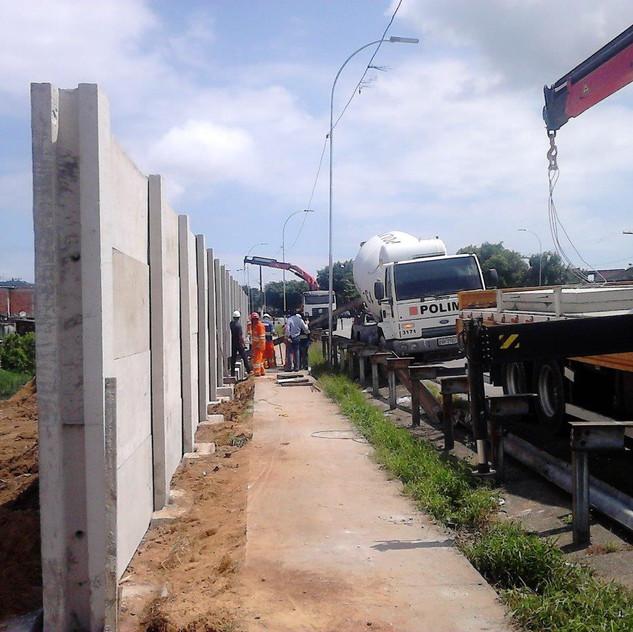 Construção de Muro Pré-Moldado (1)