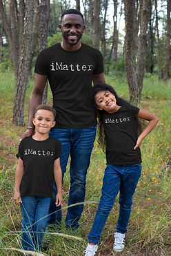 mockup-of-a-man-with-his-kids-wearing-t-