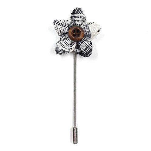 Šedobílá květinka - ozdoba do klopy