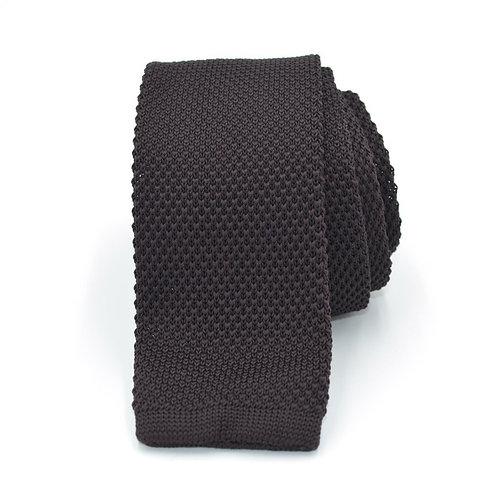 Pletená čokoladová kravata
