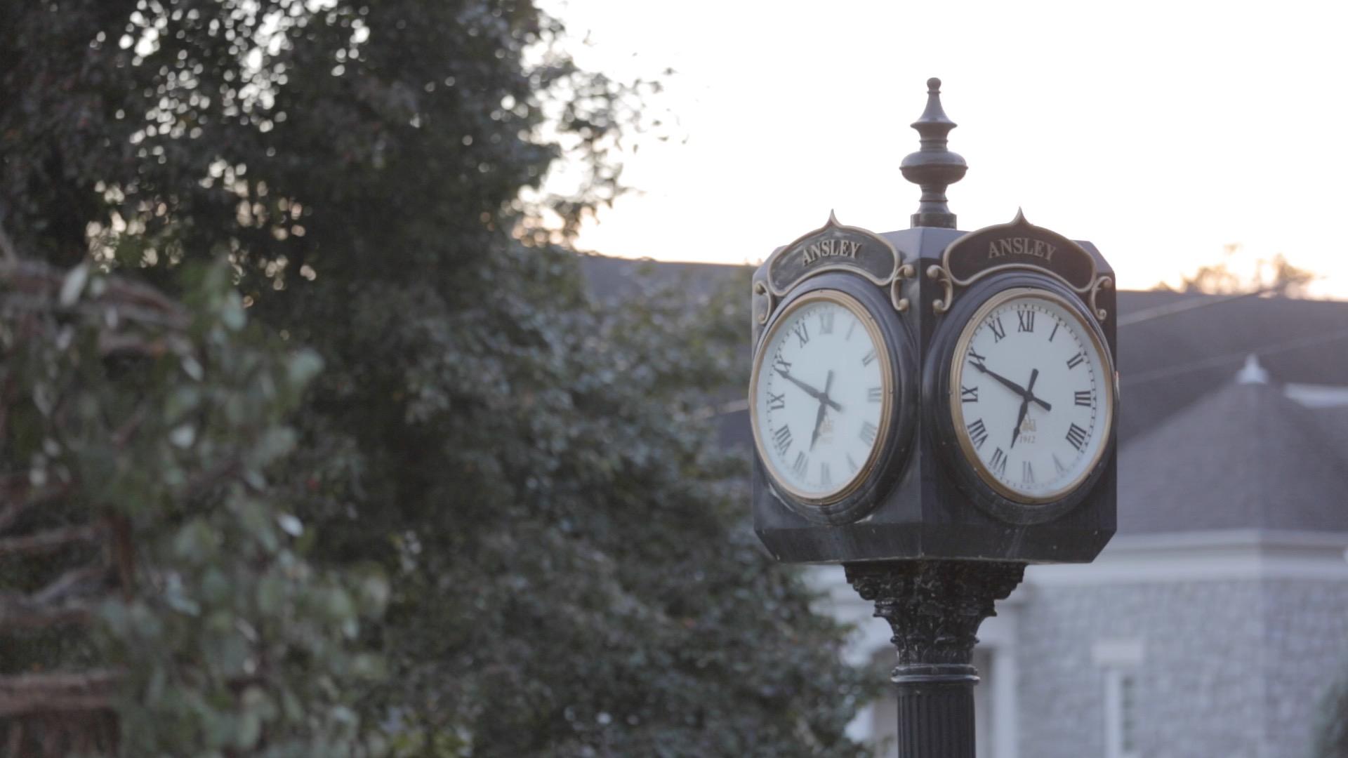 Ansley - Details - Clock