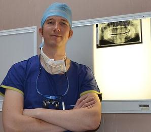 dental implants, Dr Craig Mallorie, Cardiff, Wales, dentist, wisdom teeth, dentures