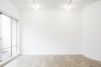 シンプルな白壁