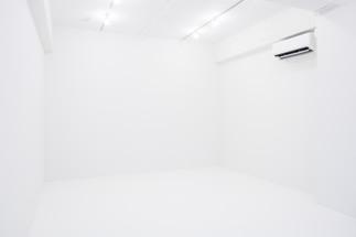真っ白な部屋