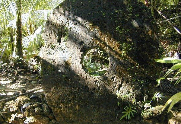 Home of the Pre-flood Stone Gods : The Enigma of Nan Madol
