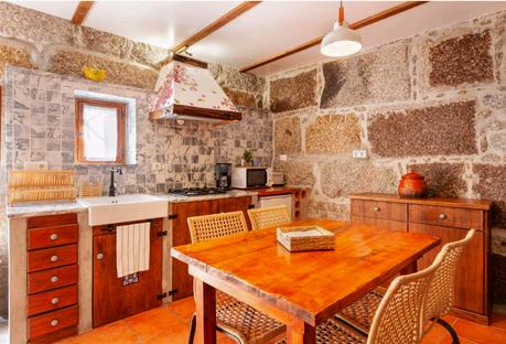 Casa Benfeitoria Stone House
