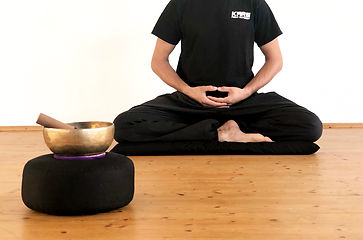 Meditation Roman Sitz, Rapperswil Jona, Sitzmeditation, Gehmeditation, Achtsamkeit, Freheit, Kraft, Konzentration