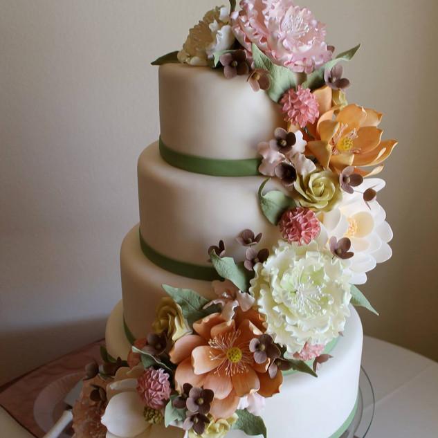 flower sway cake.jpg