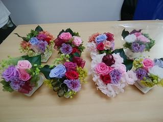 本多倫子さんのフラワーアレンジメント教室第4弾「こぶりで綺麗なプリザーブドフラワーを作りましょう♪」