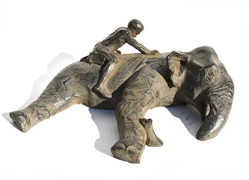 Jamino au bain éléphant sculpture Emmanuel Michel Sri Lanka