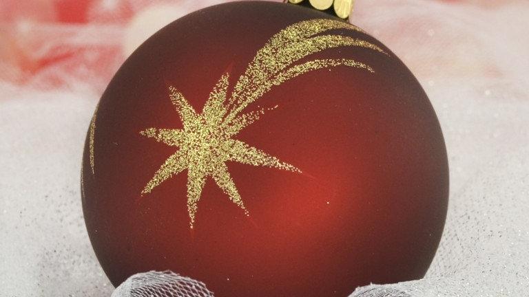 Kerstbal bordeaux-rood met gouden vallende ster-decoratie (6 in een doos)