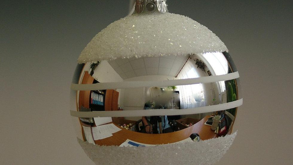Kerstbal Wit met spiegelbanden (6 in een doos)