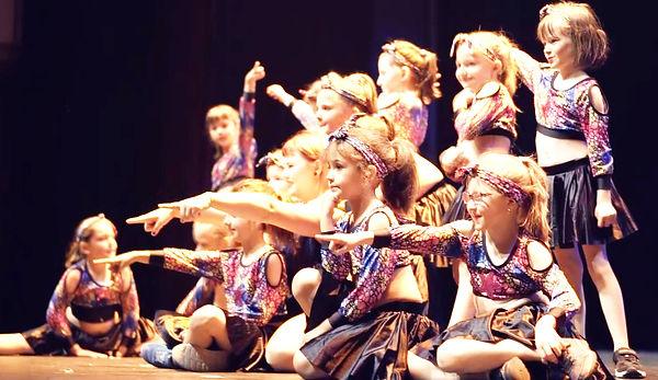 danse_7_9_ans_cours_de_danse_moderne_enf