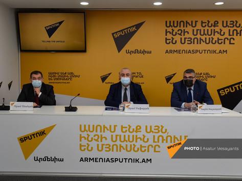 Libro dedicado al Centenario de Armenia Soviética
