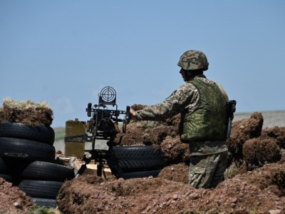Azerbaiyán volvió a disparar sobre posiciones fronterizas armenias