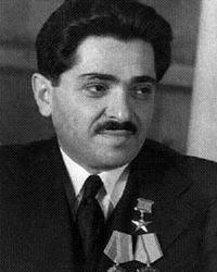 En Shushí, los ocupantes azerbaiyanos derribaron el busto de uno de los Vicepresidentes de la URSS