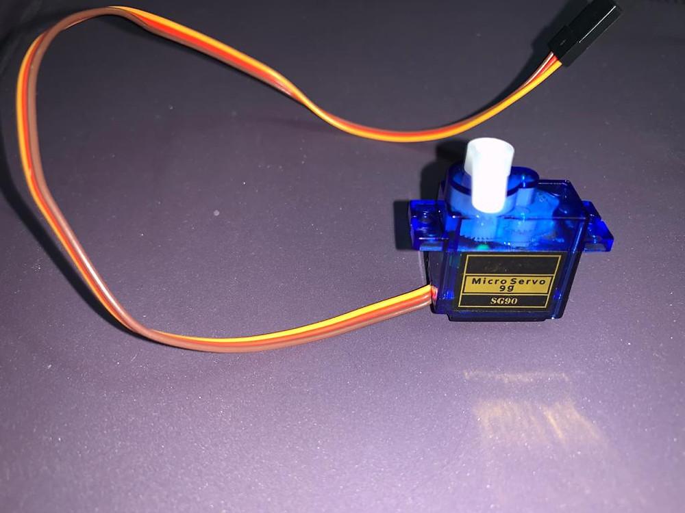 Image showing a SG90-Servo motor